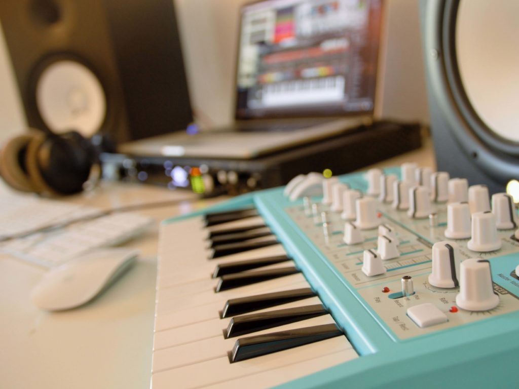 How to Synth: Axel F – Beverly Hills Cop | KEYBOARDS