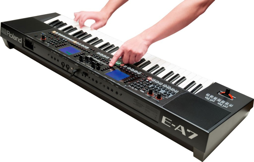 E-A7-Roland-arranger-keyboard-3