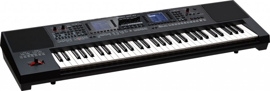 E-A7-Roland-arranger-keyboard-4